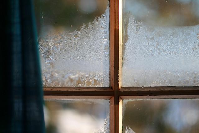 Frostkrystaller på vinduene